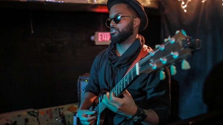 Guitarist, Code9ine